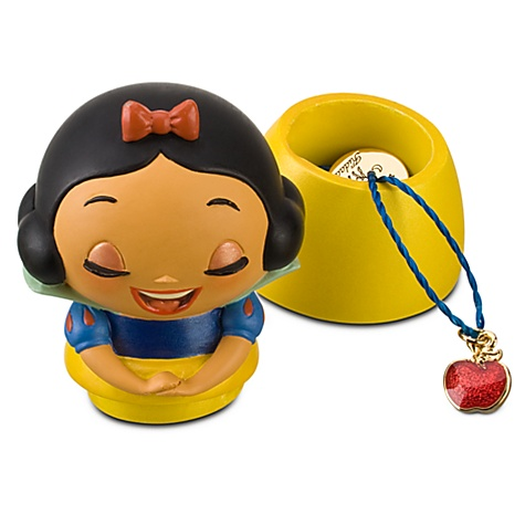 Kidada for Disney Store Wish-a-Little Snow White Figure with Charm Necklace