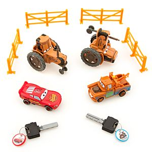 Disney Cars Tip and Race Play Set