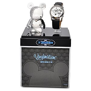 Limited Edition Vinylmation Park Series 3 Figure and Watch