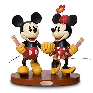A Walk in the Park Minnie and Mickey Mouse Big Figure