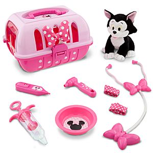 "Minnie Mouse Vet Care Set with 7"" Figaro Plush"