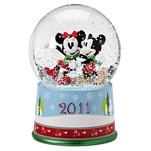 Share the Magic 2011 Minnie and Mickey Mouse Snowglobe