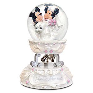 Minnie and Mickey Mouse Wedding Snowglobe