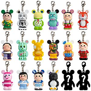 Vinylmation Jr. its a small world Series 4 Keychain - 1 1/2