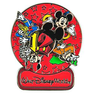 Spinner 2012 Walt Disney World Mickey Mouse and Friends Pin