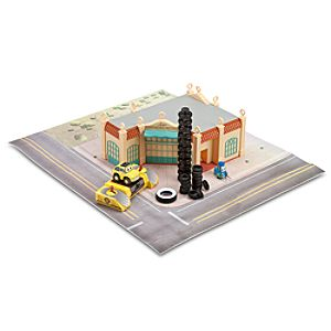 Luigis Casa Della Tires Play Set - Cars